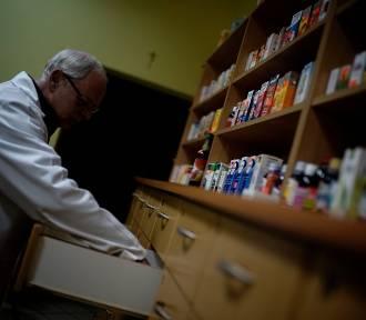 Popularne tabletki, maść i syrop wycofane ze sprzedaży. Sprawdź, czy je masz