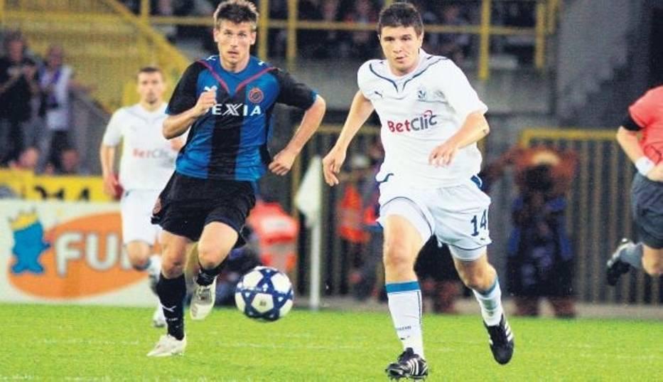 Semir Stilić  trafił do siatki Brugii, ale sędzia gola nie uznał