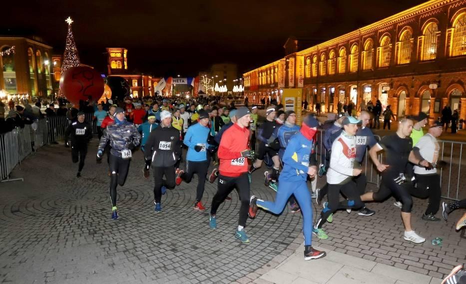Do biegu na Rynku Manufaktury wystartowało blisko 2500 uczestników