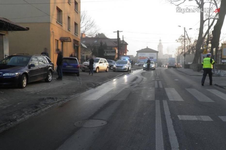 Wypadek w Rybniku: 48-latek w szpitalu