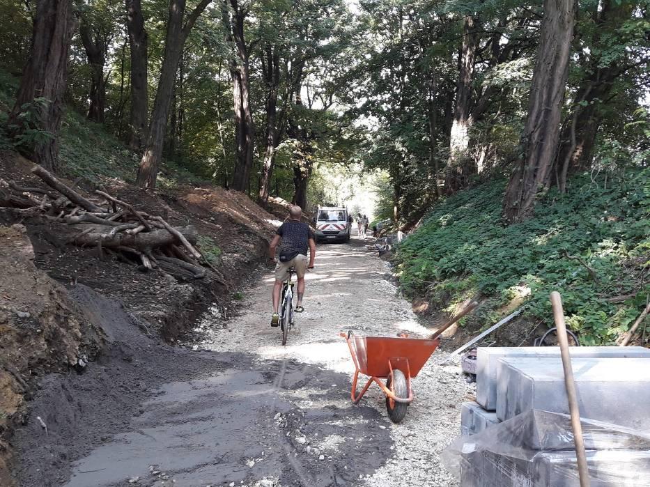 """Budowa ścieżki rowerowej na tzw. """"kolejce"""""""