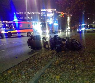 Wypadek w Bydgoszczy. Motocyklista poważnie ranny [zdjęcia]
