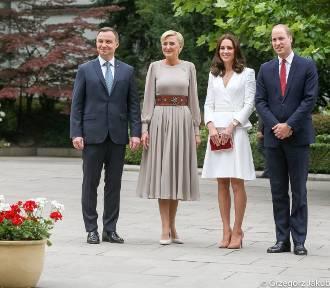 Pierwsza Dama przywitała parę książęcą Williama i Kate w pasie rodem z Podhala [ZDJĘCIA]