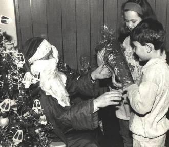Jak wyglądały Mikołajki przed laty? Zobacz archiwalne zdjęcia [GALERIA]