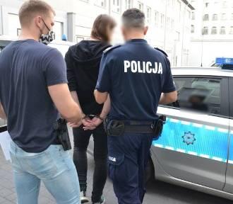 Kłótnia podczas imprezy przy ognisku w Oliwie. 21-latek pchnął nożem mężczyznę