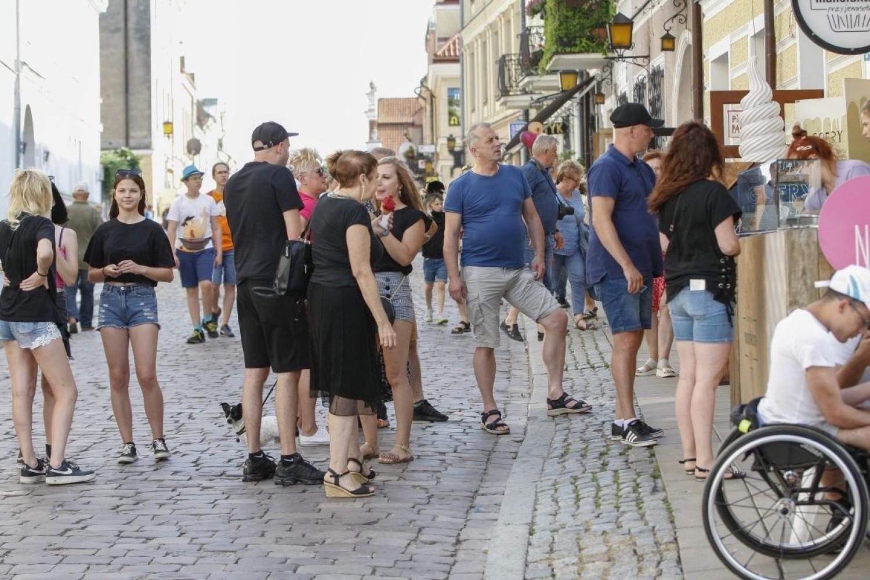Tłumy ludzi na wakacjach w Sandomierzu! Zobacz jak się bawią [ZDJĘCIA]