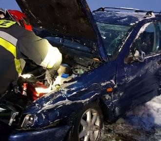Zderzenie dwóch samochodów w Pokrzywnie [zdjęcia]