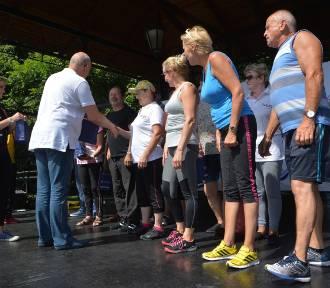 Seniorzy zaprezentowali efekty treningów - tkankę tłuszczową zamienili w mięśnie