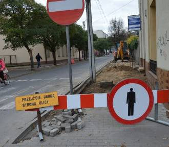 Zduńska Wola. Trwa remont ulicy Królewskiej [zdjęcia]