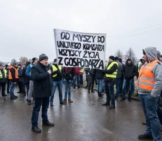 PILNE! Trwa protest rolników. Zablokowana trasa S8 [AKTUALIZACJA] [ZDJĘCIA]