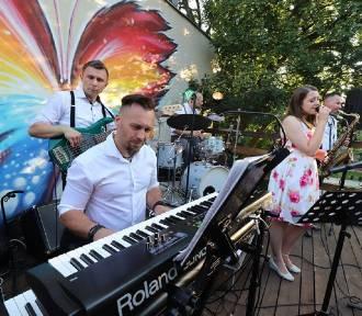 Inowrocław. Koncert zespołu Polifonika w Butterfly Up