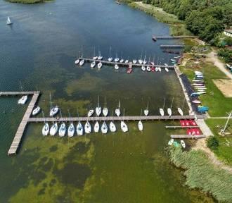 Jeziora wokół Dolnego Śląska idealne na wakacyjny wyjazd. Tam można się śmiało kąpać!