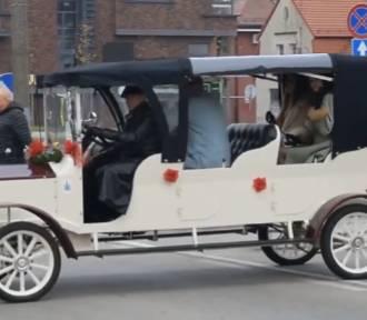 Święto Niepodległości 2019 w Malborku [FILM]. Od przemarszu, przez poloneza do biegu