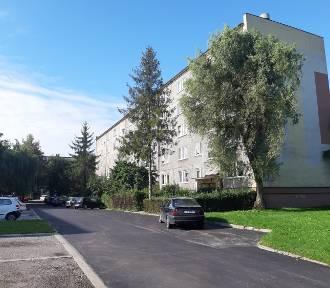 Ulica Mieszka I w Radomsku wyremontowana. Ułożono nową nawierzchnię asfaltową