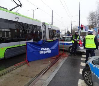 Tragiczny wypadek w Olsztynie. Pieszy wtargnął pod tramwaj [ZDJĘCIA]