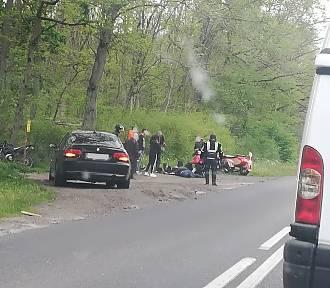 Groźny wypadek motocyklistów za Gnieznem [FOTO]