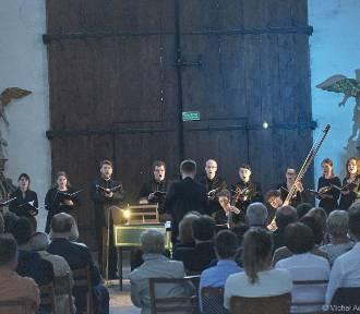 Muzyka Roberta Lucasa Pearsalla i Cyrillusa Kreeka w kościele Wniebowzięcia NMP w Żukowie
