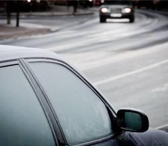 Wraca zima. Dzisiejszej nocy na Pomorzu burze, opady śniegu i przymrozek do -5 st. C