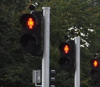 Chrzanów. 24-latka przeszła na czerwonym świetle. Później zaatakowała policjanta