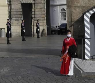 Czechy pod ścianą, godzina policyjna w Lombardii, Hiszpania z milionem zakażonych