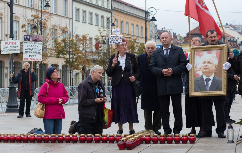 10 kwietnia, Warszawa. 9. rocznica katastrofy smoleńskiej. Program, zdjęcia, utrudnienia w związku z rocznicą smoleńską