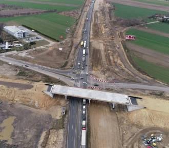 Do końca roku od Tuszyna do Częstochowy pojedziemy po nowej jezdni autostrady A1 [ZDJĘCIA LOTNICZE]