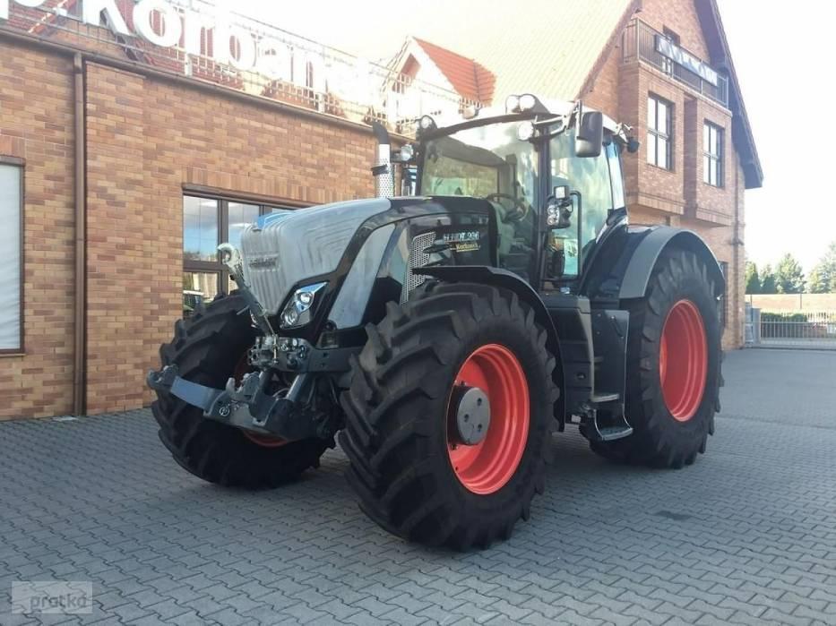 Traktor FENDT 936 Vario S4 Black Cena 864 000 zł rok produkcji 2016moc maksymalna 265kW/360 KM silnik Deutz, 6-cylindrowyjoystick wielofunkcyjnykabina amortyzowana pneumatycznie, elektrycznie sterowanie i ogrzewane lusterka boczneradio CD