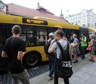 Sprawdziliśmy jakie autobusy ZTM nie przyjeżdżają najczęściej
