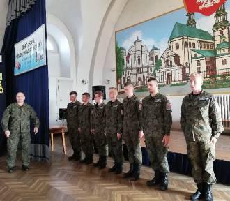 Prawie 50 chętnych do grupy mundurowej w ZSP nr 1 w Łowiczu [ZDJĘCIA]