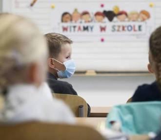 1 369 nauczycieli w Śląskiem nie wróciło do szkół