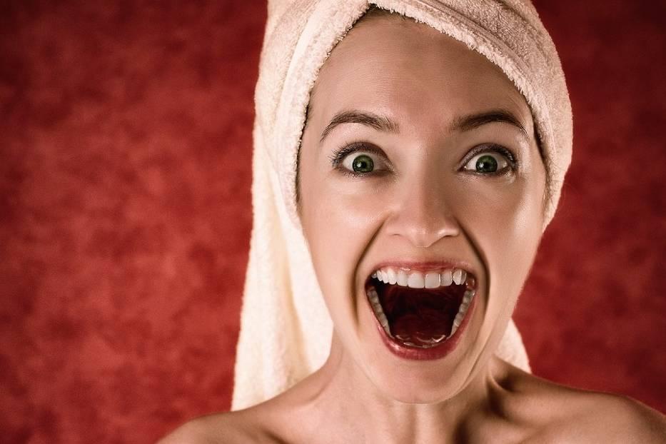 Kobiety często poprawiają swój wygląd, myśląc że będą bardziej atrakcyjne