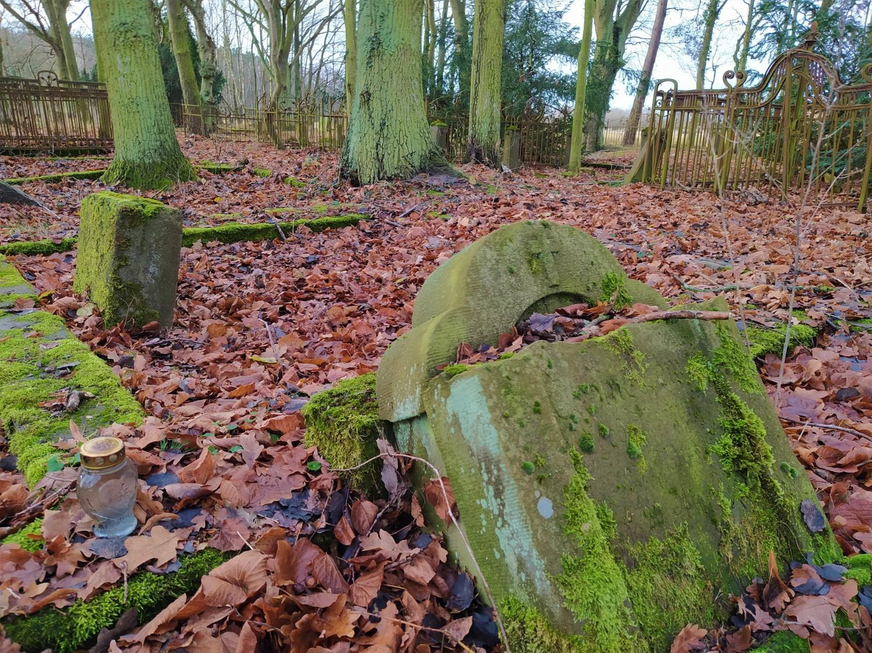 Przedwojenny cmentarz w Świnoujściu, jak z filmu. To jeden z cenniejszych tego typu zabytków w Polsce