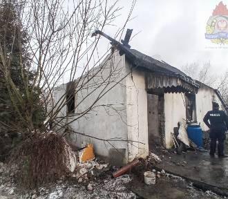 Pożar domu w Wycince Wolskiej. Jedna osoba straciła życie ZDJĘCIA