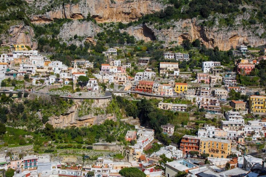 Droga nad wybrzeżem Amalfi, WłochyW związku z nieprzeciętnymi walorami kulturowymi w 1997 roku region został wpisany na listę dziedzictwa Światowego UNESCO
