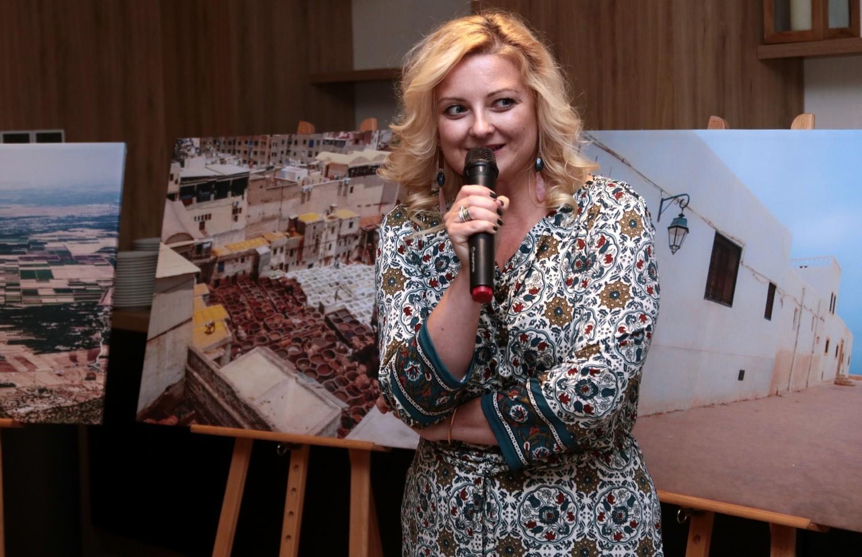 """W restauracji """"Reset""""  hotelu Ibis """"Reset"""", podczas """"Wieczoru marokańskiego"""", uroczyście otwarto wystawę fotografii, które grudziądzka fotograficzka Joanna Zasada wykonała podczas pobytu w Maroku"""