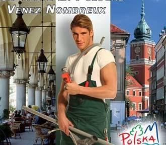 """Pamiętacie """"polskiego hydraulika""""? Bardzo się zmienił! Jak teraz wygląda? [zdjęcia]"""