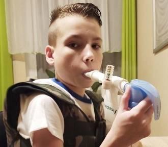 Kuba ma 12 lat i śmiertelnego przeciwnika! Pomóż mu w walce!