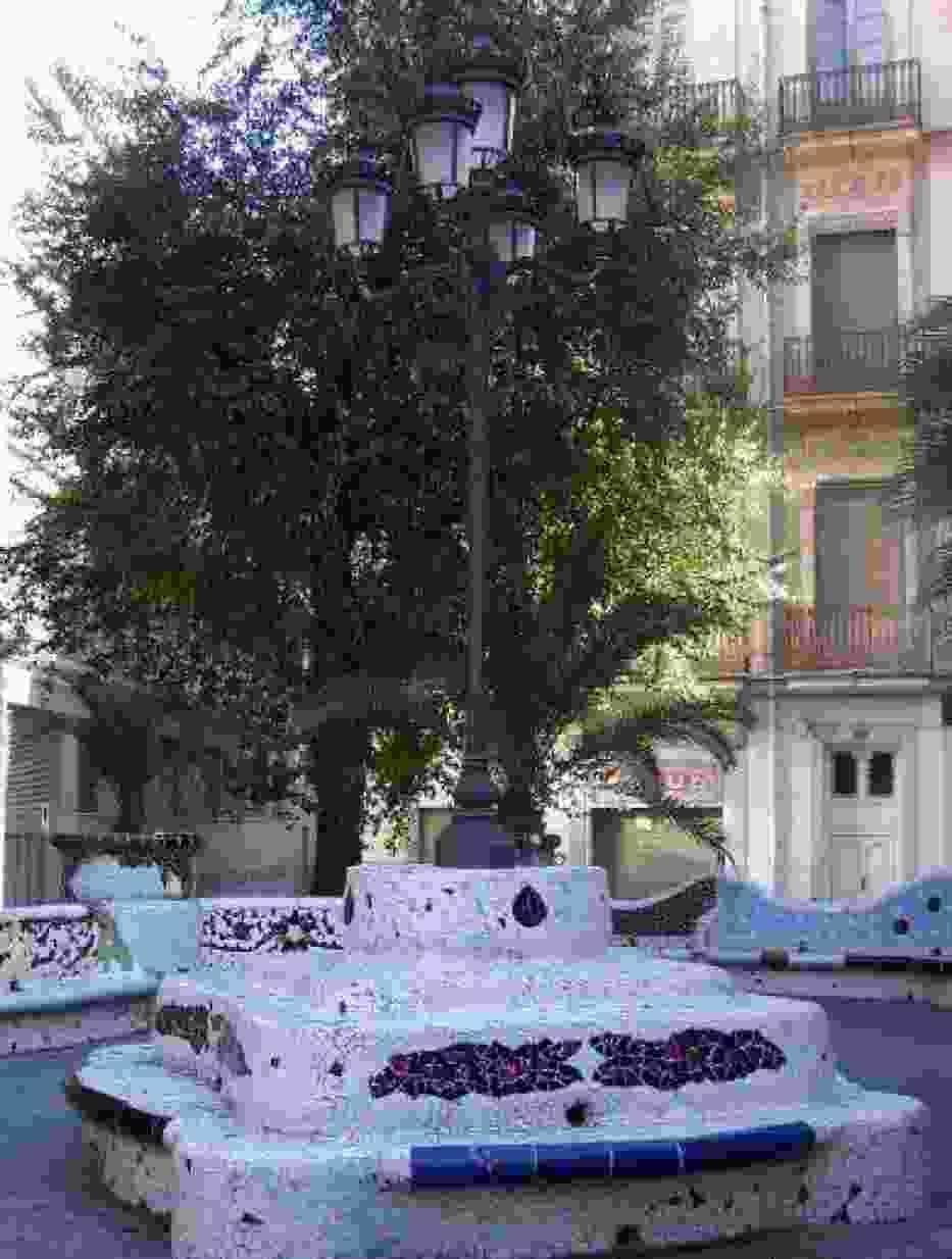 Sztukę Gaudiego możemy podziwiać też w innych regionach Hiszpanii