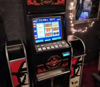 Nielegalne automaty do gier w lokalu w centrum miasta
