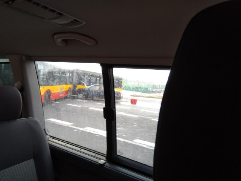 Wypadek autobusu na ul. Uczniowskiej w Wałbrzychu