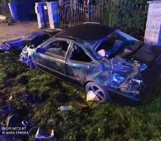 Groźny wypadek. Pijany kierowca wypadł z drogi i uderzył w mostek