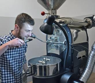 W Wodzisławiu pachnie kawą z małej palarni - prowadzi ją pasjonat - ZDJĘCIA I WIDEO