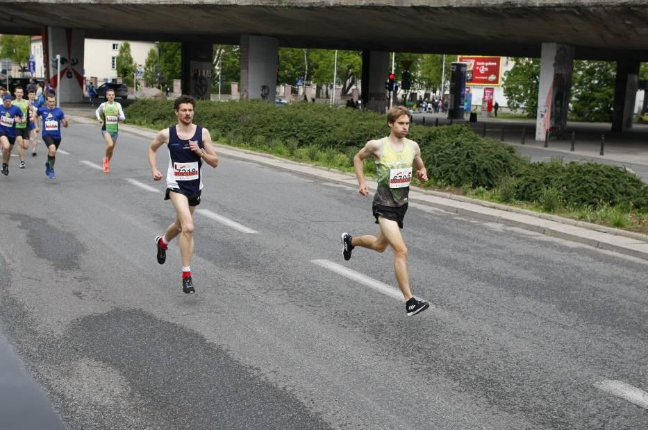 Bieg Konstytucji 3 Maja 2019, Warszawa. Tak 8000 biegaczy uczciło święto [ZDJĘCIA cz. 1]