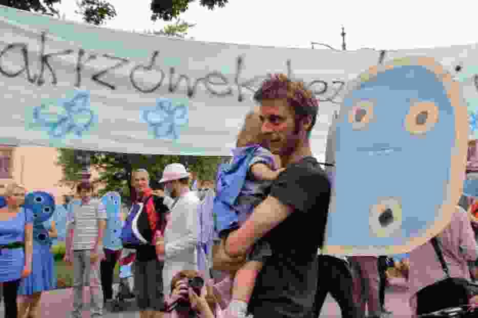 """""""Modraszek Kolektyw"""" manifestował pod Urzędem miasta [zdjęcia, wideo]"""