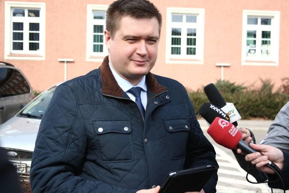 Poseł Marcin Porzucek nie ukrywał zadowolenia z takiej, a nie innej decyzji ministerstwa w sprawie ewentualnego rozdzielenia Piły i powiatu