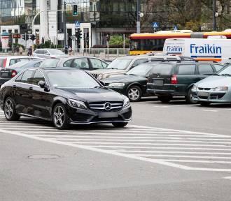 """Mistrzowie Parkowania cz. 30. """"Mam Mercedesa mogę parkować wszędzie"""". Brzmi znajomo? [ZDJĘCIA]"""