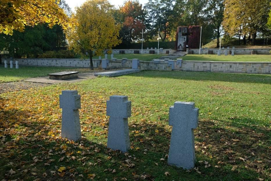 Świadectwem ostatniej wojny jest Niemiecki Cmentarz Wojenny 1939-1945 w Przemyślu