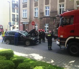 Wypadek w Krakowie. Zderzenie radiowozu z autem osobowym [ZDJĘCIA]