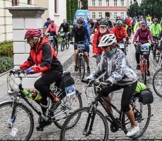 Pojechali kręcić kilometry dla Bydgoszczy [zdjęcia]