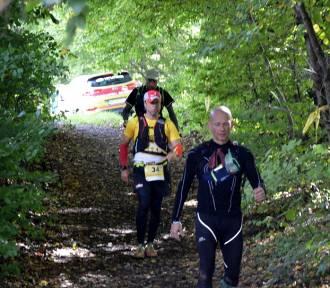 Kaszubska Poniewierka: 116 zawodników zaliczyło 70. km w Kartuzach, biegnąc z Sopotu do Wieżycy